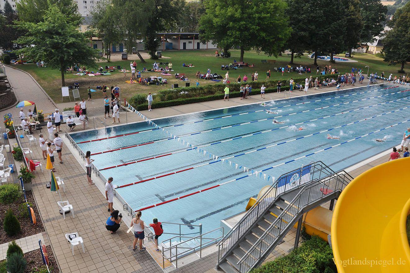 Schwimmer kämpfen um den Greizer 16.Freiluft-und Schlosspokal