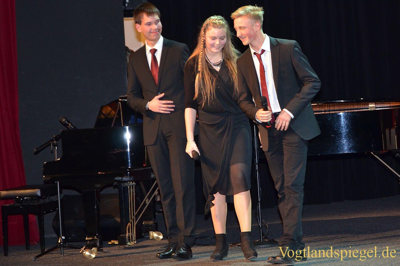 Gymnasium Greiz: Wunderbare Musik stimmt auf Weihnachtsfest ein