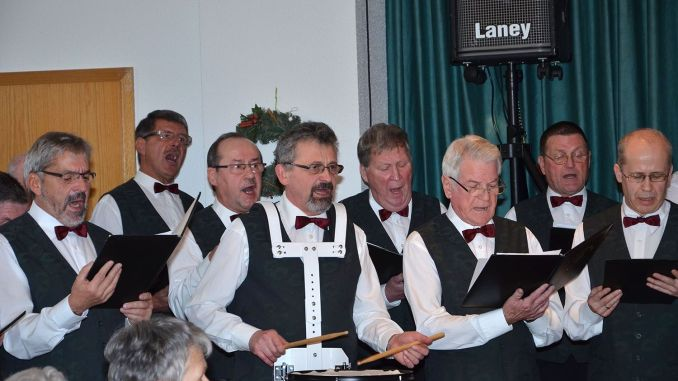 Männerchor Mohlsdorf und Gäste stimmen musikalisch auf Weihnachten ein