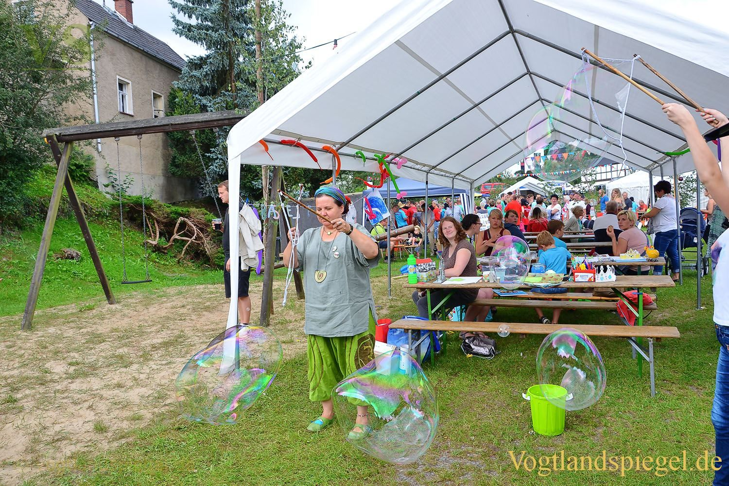 Traditionelles Traktorziehen beim Sommerfest in Nitschareuth