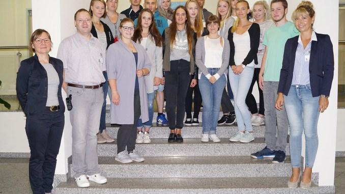 Kreiskrankenhaus Greiz: Bundesfreiwillige und Gesundheits- und Krankenpflegehelfer traten Dienst an