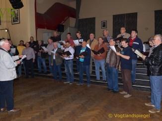 Gesang verschönt das Leben: Erste gemeinsame Konzertprobe