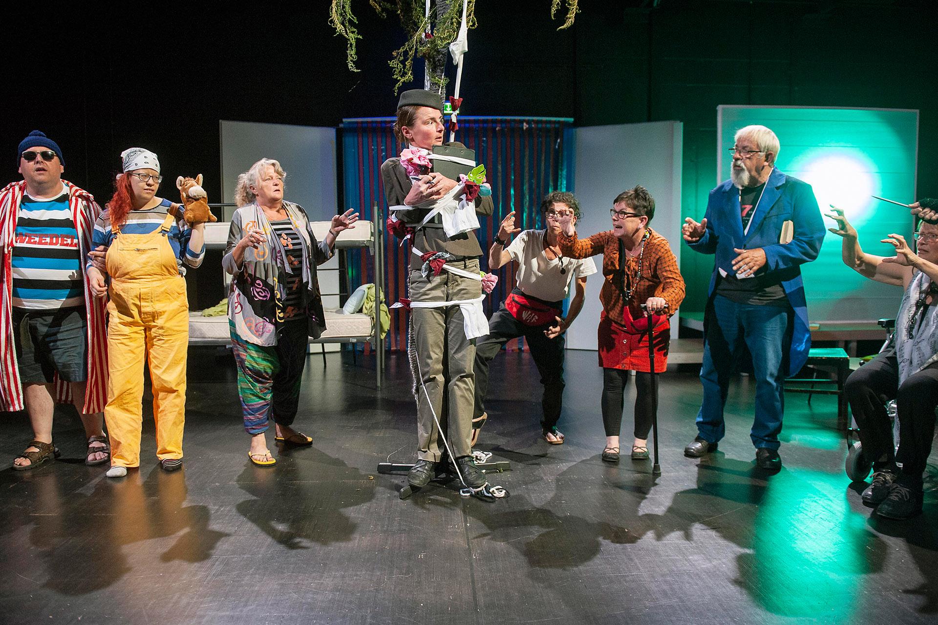 Greizer Theaterherbst: Des Kaisers Kleider sind modisch und hochaktuell