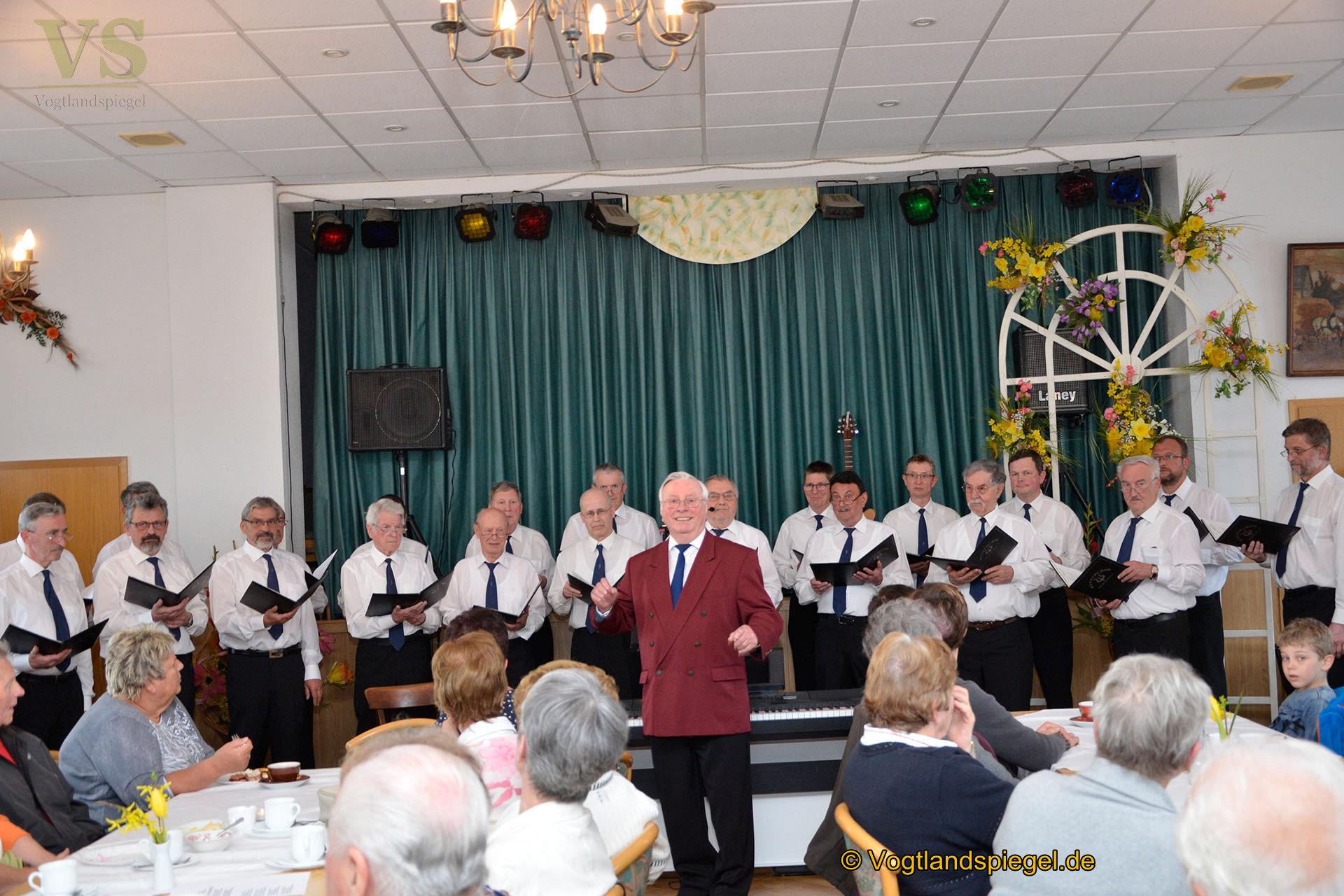 Männerchor Mohlsdorf:  Mit schönen Liedern den Lenz herbeigesungen