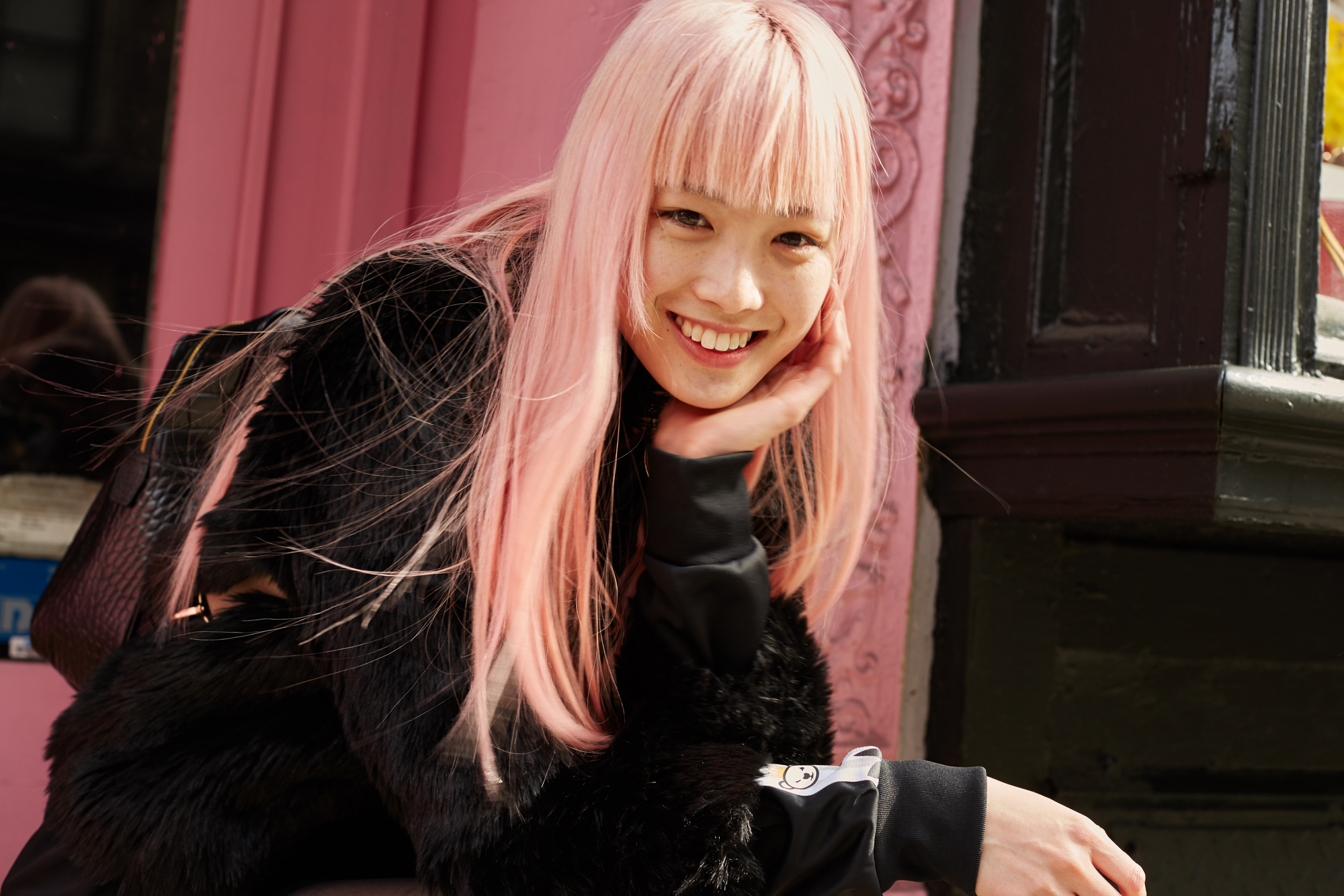 Fernanda Lys Pink Hair Stole The Louis Vuitton Fall 2015