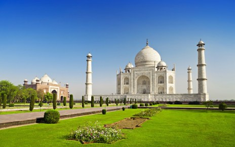 taj mahal Vogue Traveller background