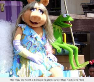 Miss Piggy and Kermit at the Magic Kingdom courtesy Ross Hawkes via Flickr