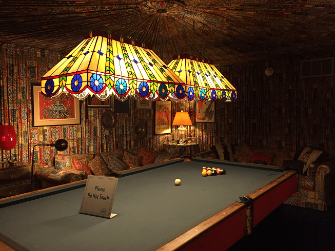 Elvis Pool Room THE VOICE OF LISA BRANDT - Huge pool table