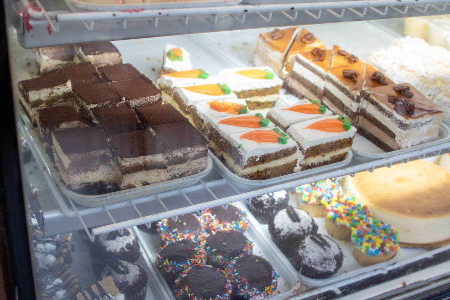 deserts from fluffy's cafe in new york