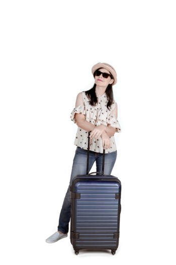 Save money on baggage fees | carry on | carry on tips | baggage fees | traveling tips | traveling hacks | tips and tricks for traveling | ways to save money while traveling