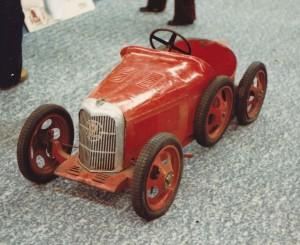 panhard-et-levassor-(voiture-a-pedales)-0076-1873