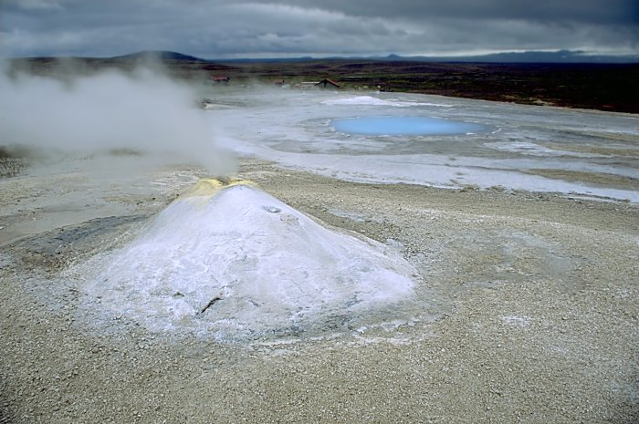 Hveravellir Geothermal Field. Wikimedia Commons, photograph by Andreas Tille.