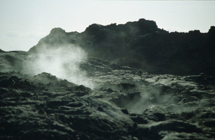 Geothermal activity at Krafla. Wikimedia Commons, photograph by Nicolamquin.
