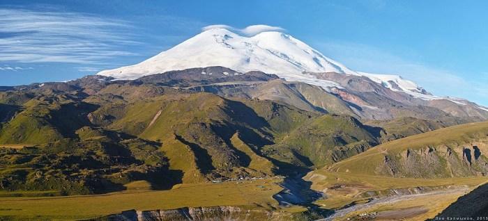 Mount Elbrus (photo: Lev Kalmykov)