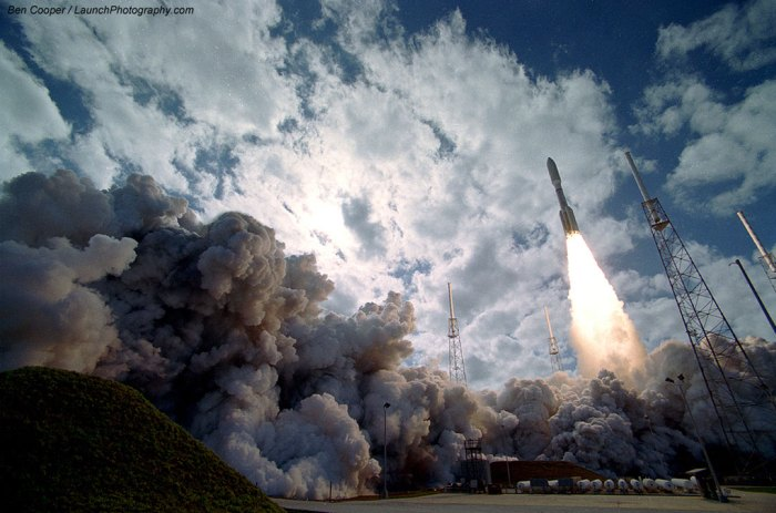 The launch of New Horizons on an Atlas V rocket