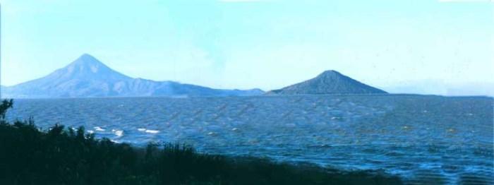 Momotombo and Momotombito seen from across Lake Managua (Uncertain provenence)
