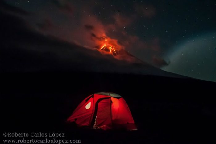 The beauty of Klyuchevskoy lava flows at night (sept. 2016) - Photo by Roberto C. Lopez (www.robertocarloslopez.com)