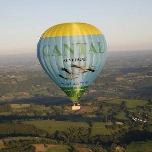 Vol en montgolfiere Volcan Cantal Auvergne