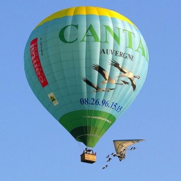 Vol en montgolfère avec les oiseaux Cantal Auvergne