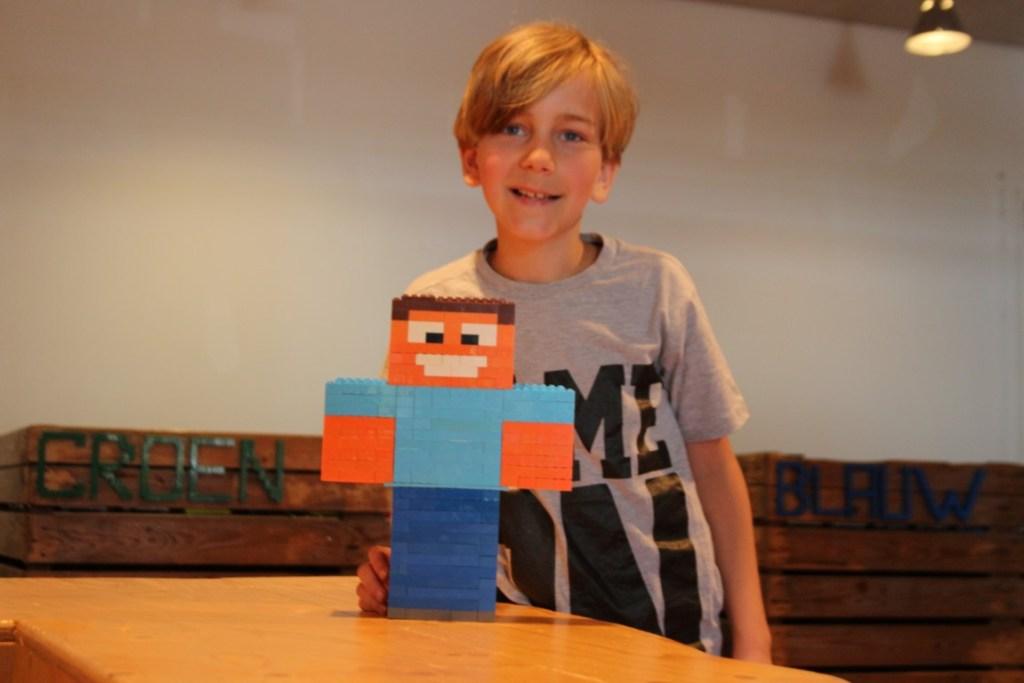Minecraft-LEGO-Steve