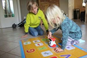 review-clementoni-doc-talking-robot