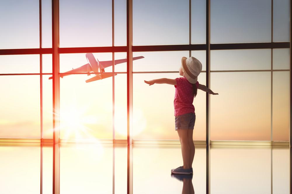 vliegvakantie-met-kinderen-tips-info