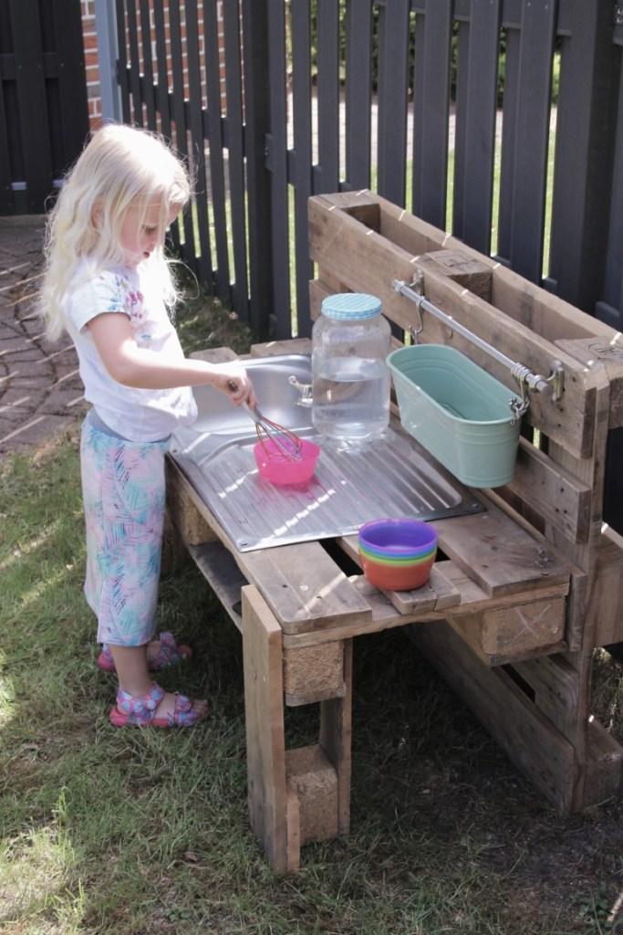 modder keuken diy - mudkitchen van pallets