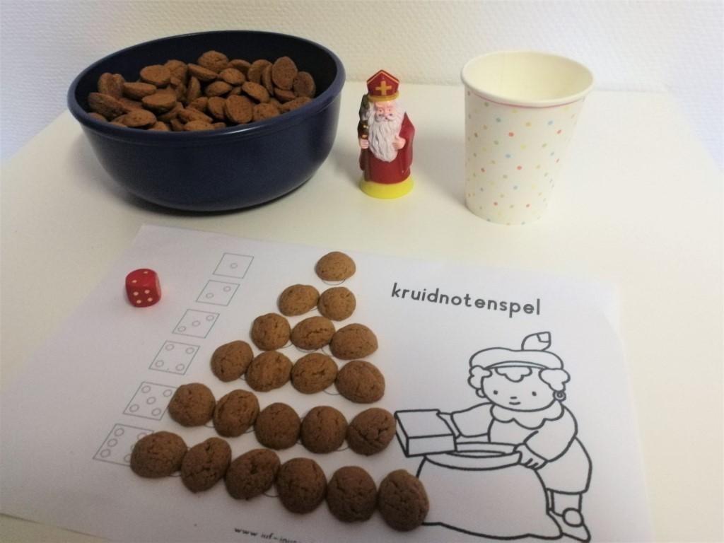Pepernoten spelletjes voor pakjesavond - dobbelspel met kruidnootjes