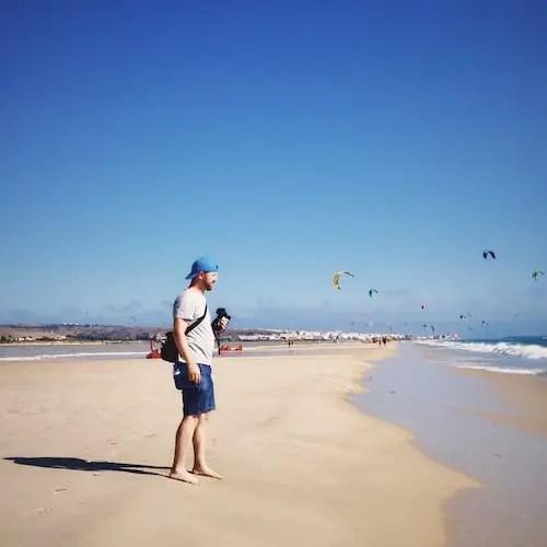 Wie du deine Fotokamera vor Sand und Staub schützen kannst