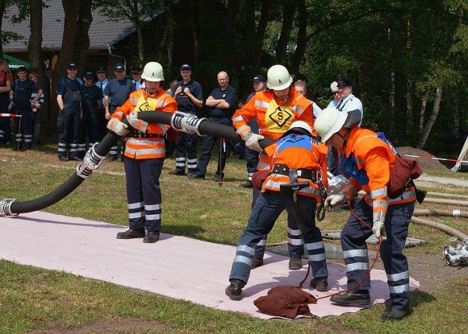 Stadtpokalwettbewerbe Sandhausen Feuerwehr knoten