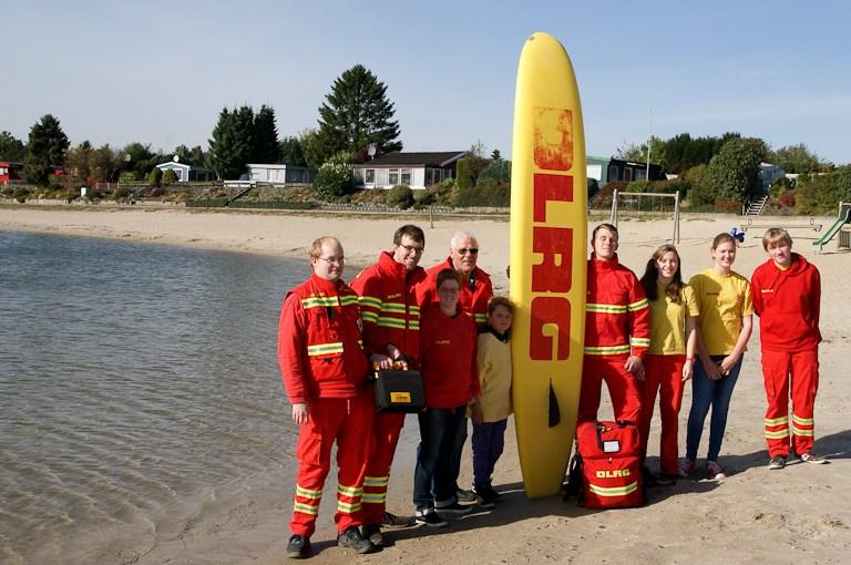 Mit Defibrillator für Bade-Notfälle gerüstet