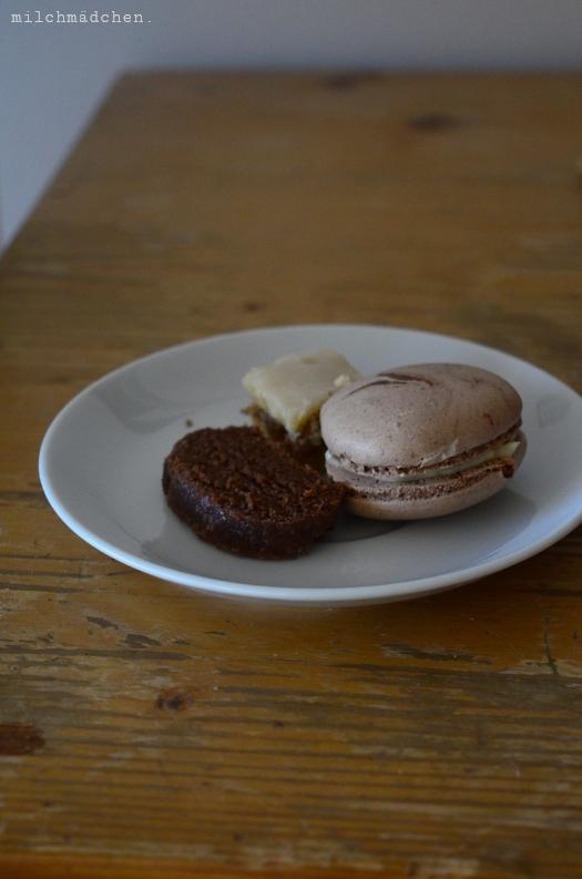 Schokoladenmacarons, Alpenbrot, Zitrusschnitten   milchmädchen.