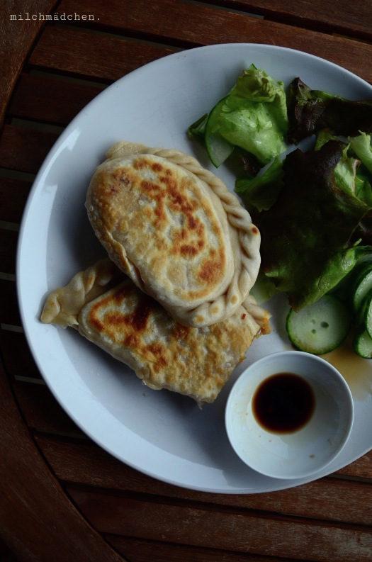 Vom richtigen Leben im falschen: Sojapastetchen (Yòng dàdòu xiàn bǐng | 用大豆馅饼)
