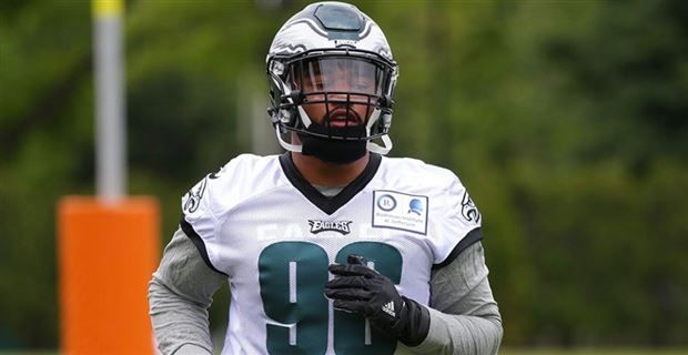 055d4c42b29 Former Tennessee defensive end Derek Barnett had another impressive night  for the Philadelphia Eagles on Thursday. The rookie recorded his third sack  of the ...