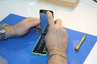 Is Frequent Charging of Smartphones harmful to the battery- Damaged Phone