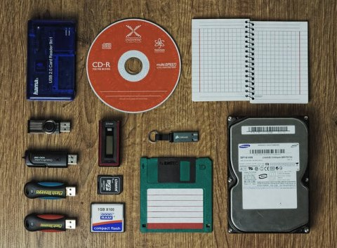 How does computer memory work- USB, Pen drive, Floppy disc etc.