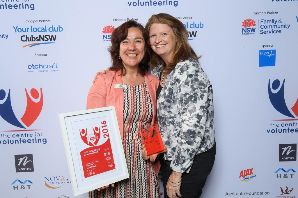 Ayse Dalkic and Delia Gray from Royal Rehab, 2016 Excellence in Volunteer Management winner