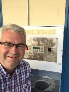 Bob at Volunteer Inspections visits the mold lab and enjoys a selfie with weird piece of equipment.