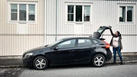 Jennie Sundström saves time and effort with Care by Volvo. Photo: Samuel Unéus