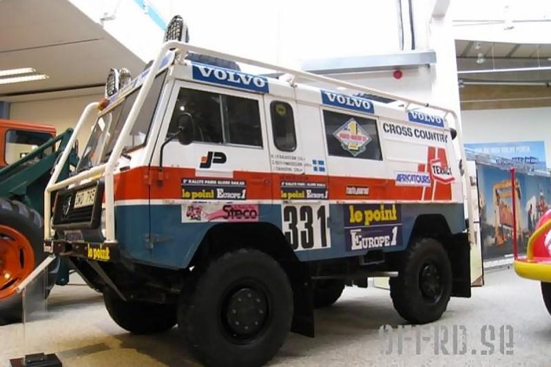 Paris-Dakar Volvo C303