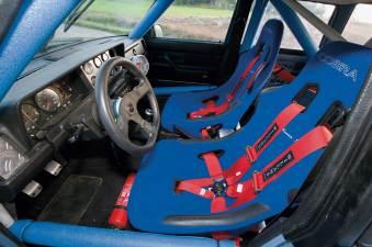 1981-Volvo-245-DL-Cobra-Monaco-Seats