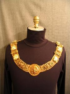 ZP-Chain Of Office Gold with Earth Sign Medallion