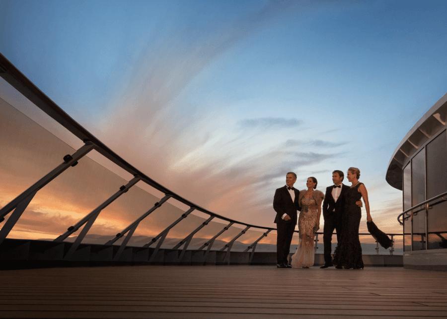 VONsociety: MS EUROPA Opernball, MS Europa auf See, Paare in Abendkleidung auf dem Deck © Hapag-Lloyd Cruises