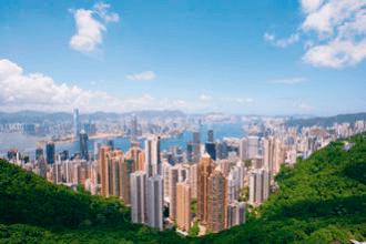 VONsociety: Asien Kreuzfahrt, Europa 2, Blick auf Hongkong © Hapag-Lloyd Cruises