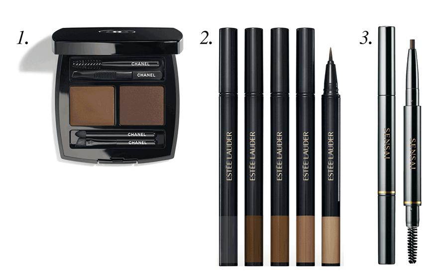 VONsociety: Maskenpflicht x Augen-Makeup: Foto mit Produkten auf weißem Hintergrund: CHANEL La Palette Sourcils, ESTÉE LAUDER Featherlight Brot Enhancer, SENSAI Eyebrow Pencil