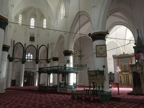 katedra, która stała się meczetem. kłopoty z orientacją.
