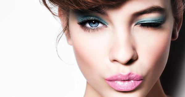 1bd44b127 No hay mejor tendencia para primavera verano que el maquillaje para ojos en  tonos pastel o sombras intensas llenas de color.