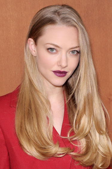 hbz-dark-lips-1212-Amanda-Seyfried-de