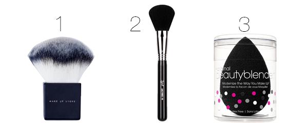 brochas y esponjas de maquillaje polvos
