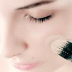 Cómo lograr diferentes coberturas con la base de maquillaje